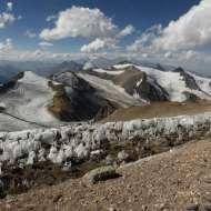 Peaks and glaciers behind Nido de Condores.
