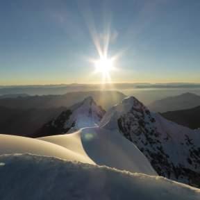 Sunrise, Yanapaccha
